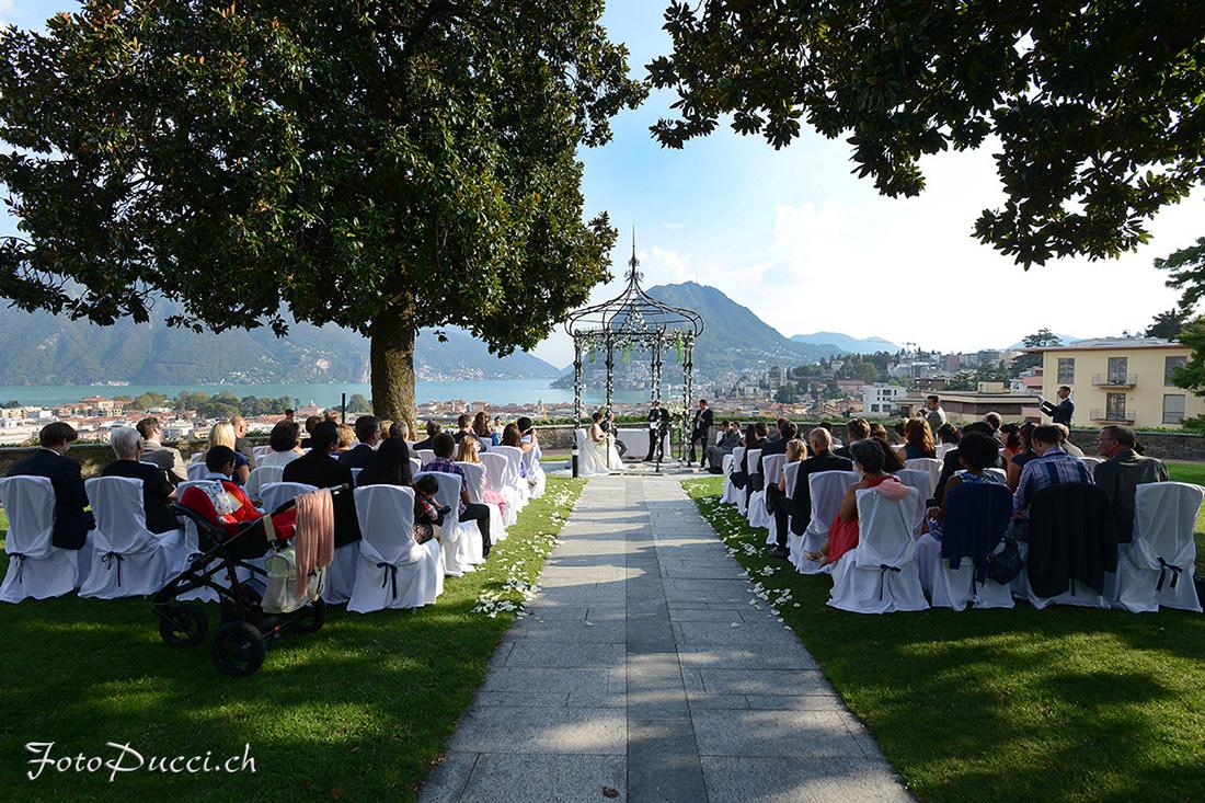 Cerimonia matrimonio all'aperto con sfondo lago di Lugano