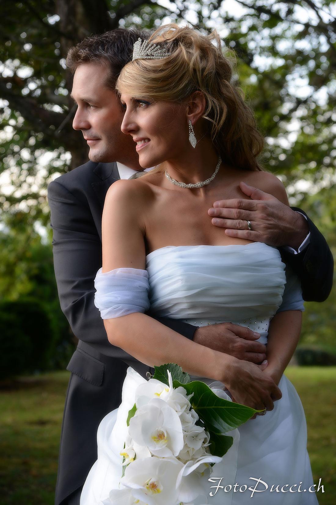 Coppia di sposi durante il loro matrimonio