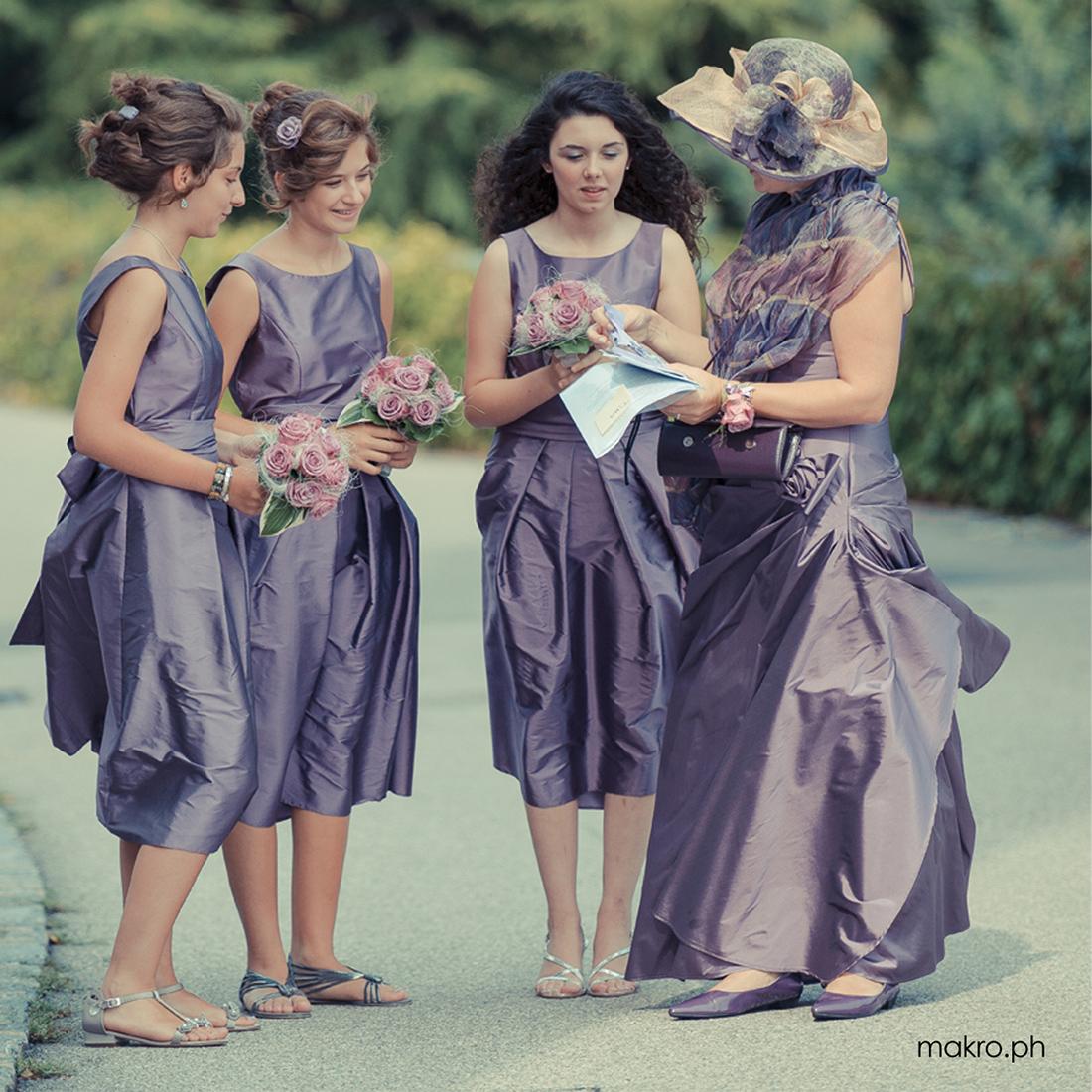 Damigelle si organizzano prima del matrimonio